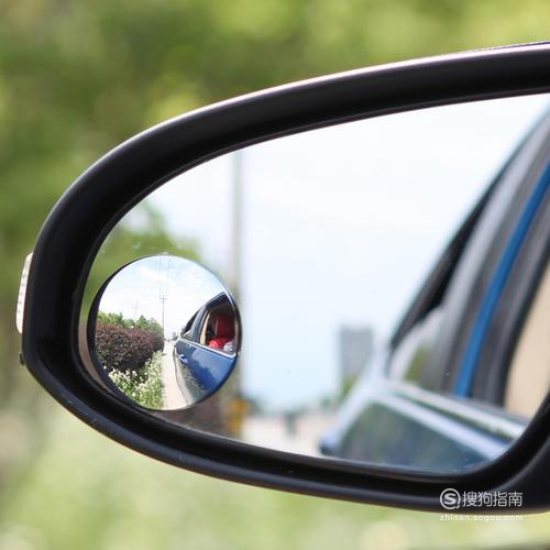 后视小圆镜安装在哪个位置好