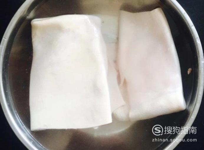 卤猪皮卷的制作方法